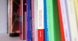 cropped-Bücher.jpg